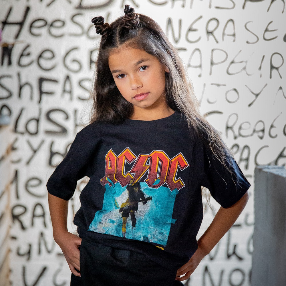 ACDC Kids T-shirt Blow Up Your Video fotoshoot